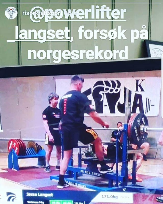 Vårt medlem @powerlifter_langset forsøkte seg på norgesrekord i dag. På storyen vår kan du se om det gikk.